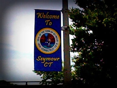 Twon sign of Seymour