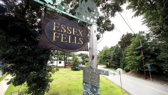 Town Sign of Essex Fells